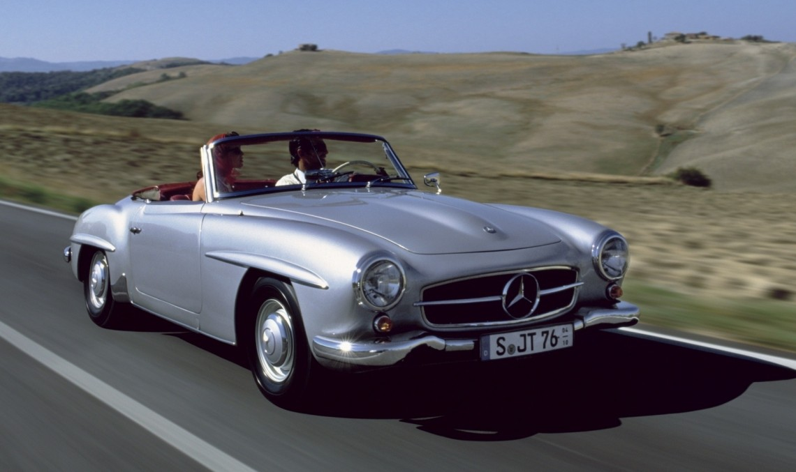 Here comes the newbie! The Mercedes-Benz 190 SL, first time at the Mille Miglia