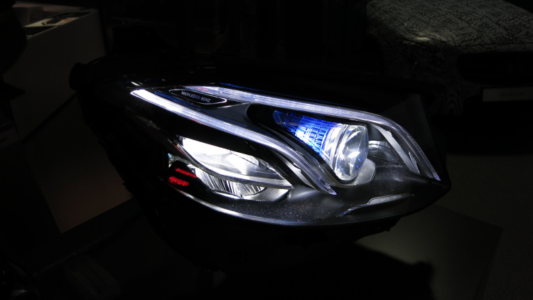 All-new E-Class demonstrates MULTIBEAM LED intelligent headlights