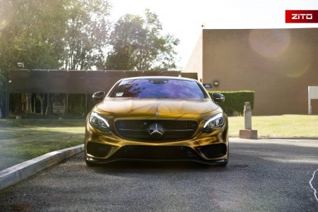 Mercedes-Benz S500 Coupe wrapped in gold