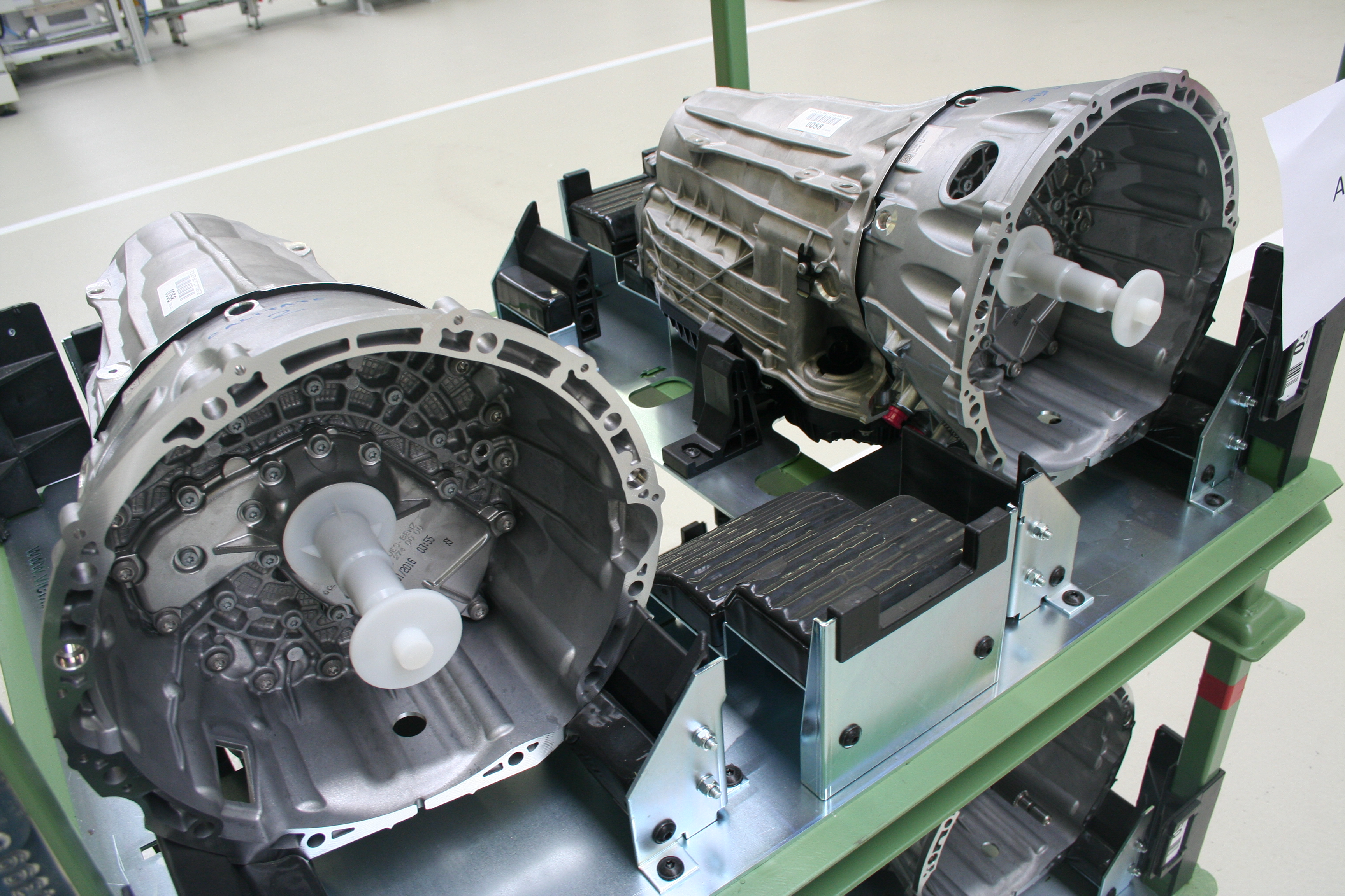 Mercedes gearbox plant Sebes (7)