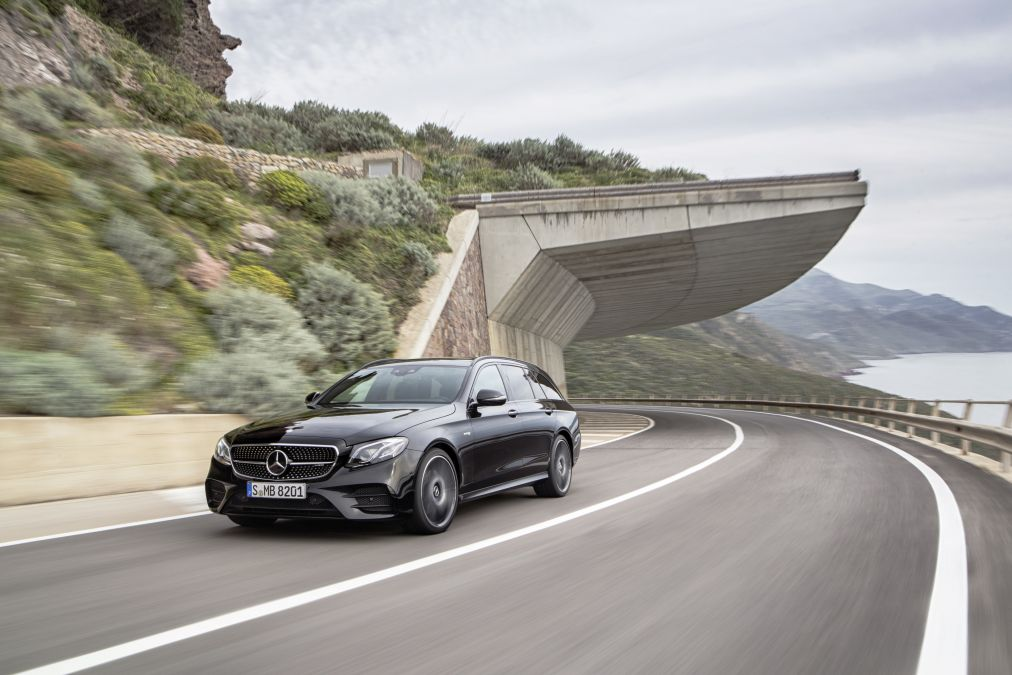 Mercedes-Benz already passes the 2 million mark for the vehicles sold this year