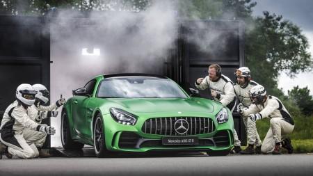 Mercedes-AMG-GT-R-210