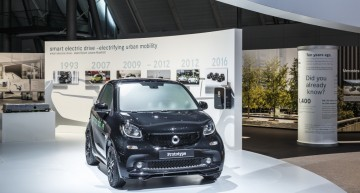 The new electric smart family will be presented at Paris Motor Show