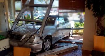 Mercedes driver crashes into a café in Dublin