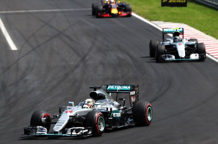 Hamilton wins in Hungaroring (10)