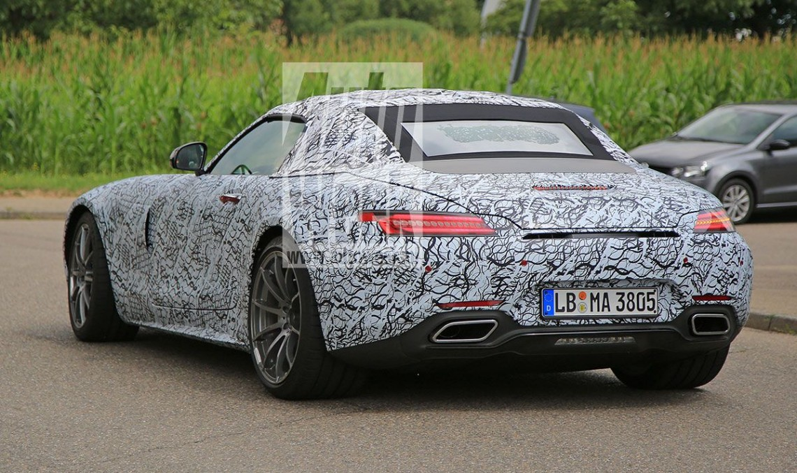Mercedes-AMG GT Roadster surfaces for the first time