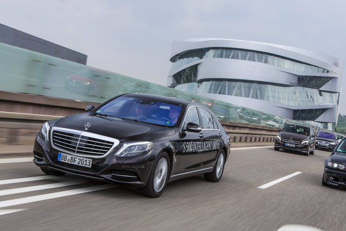 Mercedes-Benz S 500 Intelligent Drive (2)