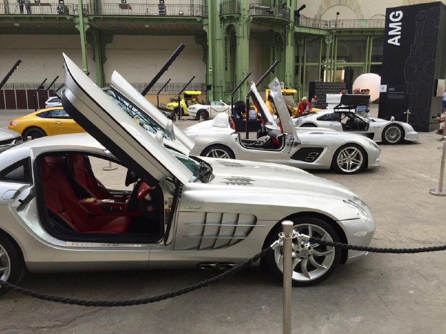 A rendez-vous with history! Mercedes-Benz displays iconic cars in Paris