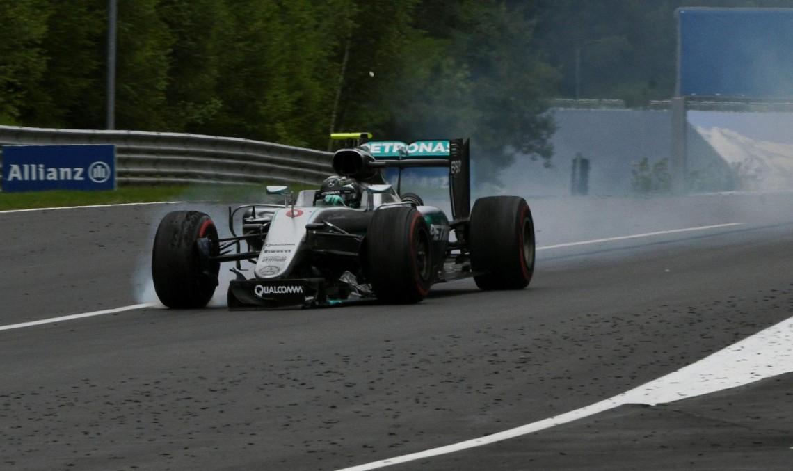Thunder in paradise – Rosberg gets penalized, Hamilton stays arrogant