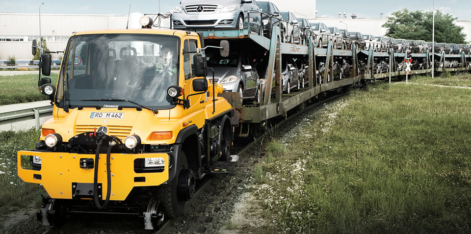 Just like Lego – Mercedes launches the road-rail Unimog