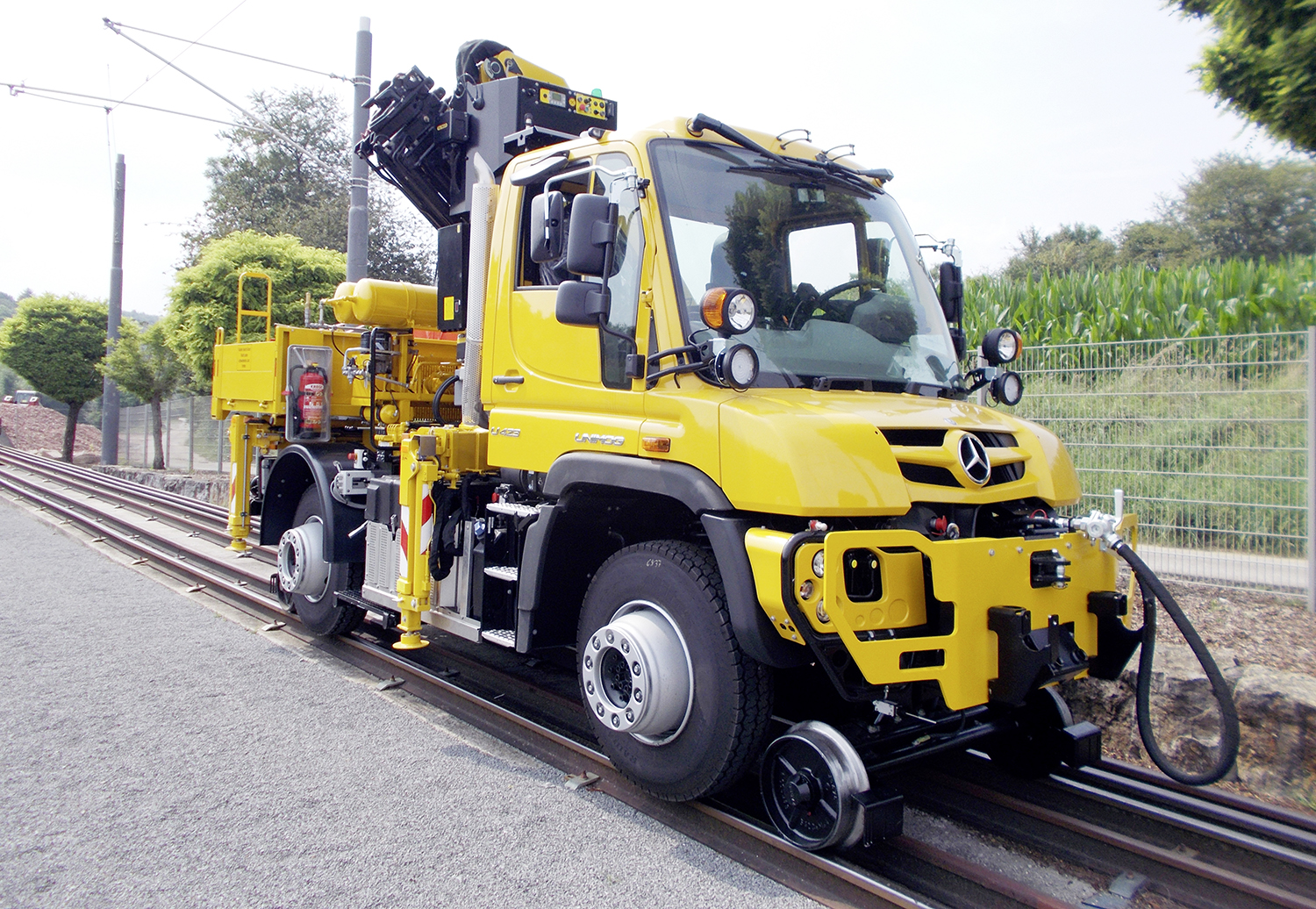 Mercedes-Benz road-rail Unimog