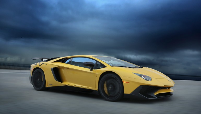 01-lamborghini-lp750-superveloce yellow