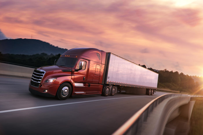 Freightliner Cascadia gets good design awards for its great looks