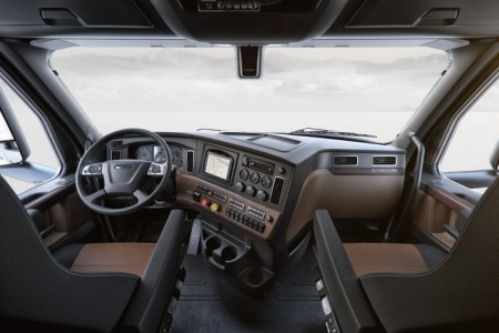 Mercedes-Benz Freightliner Cascadia