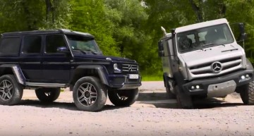 Alien vs Predator – Mercedes-Benz G 500 4×4² and Unimog U5030 play in the mud