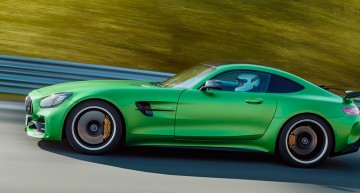 The Mercedes-AMG GT R wins the Innovation Award