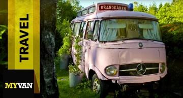 Pink Mercedes-Benz L 406 – Room for rent