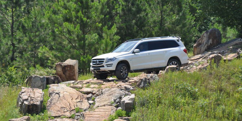 Made in America – Testing Mercedes-Benz cars before they hit the road