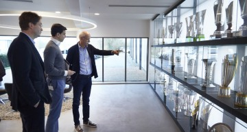Boss Dieter Zetsche visits the Formula 1 Mercedes-AMG PETRONAS team