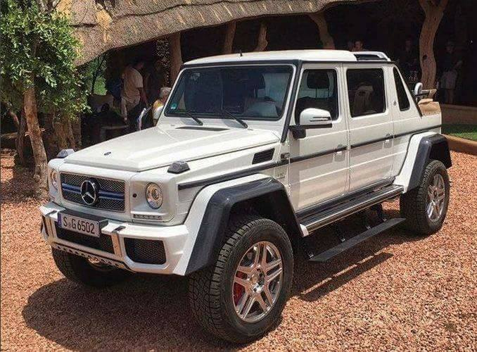 So bad at keeping secrets! More photos of the Mercedes-Maybach G 650 Landaulet, interior revealed