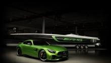 Mercedes-AMG und Cigarette Racing setzen in diesem Jahr mit dem Cigarette Racing Team 50' Marauder AMG-Boot, inspiriert vom Mercedes-AMG GT R, gemeinsam neue Maßstäbe. ;  Mercedes-AMG and Cigarette Racing teamed up again this year to continue to set new benchmarks.;