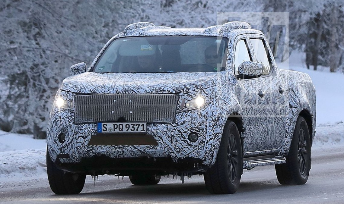 Mercedes pickup truck: X-Class caught in production clothes