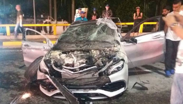 Illegal street race ends really bad for Mercedes A-Class!