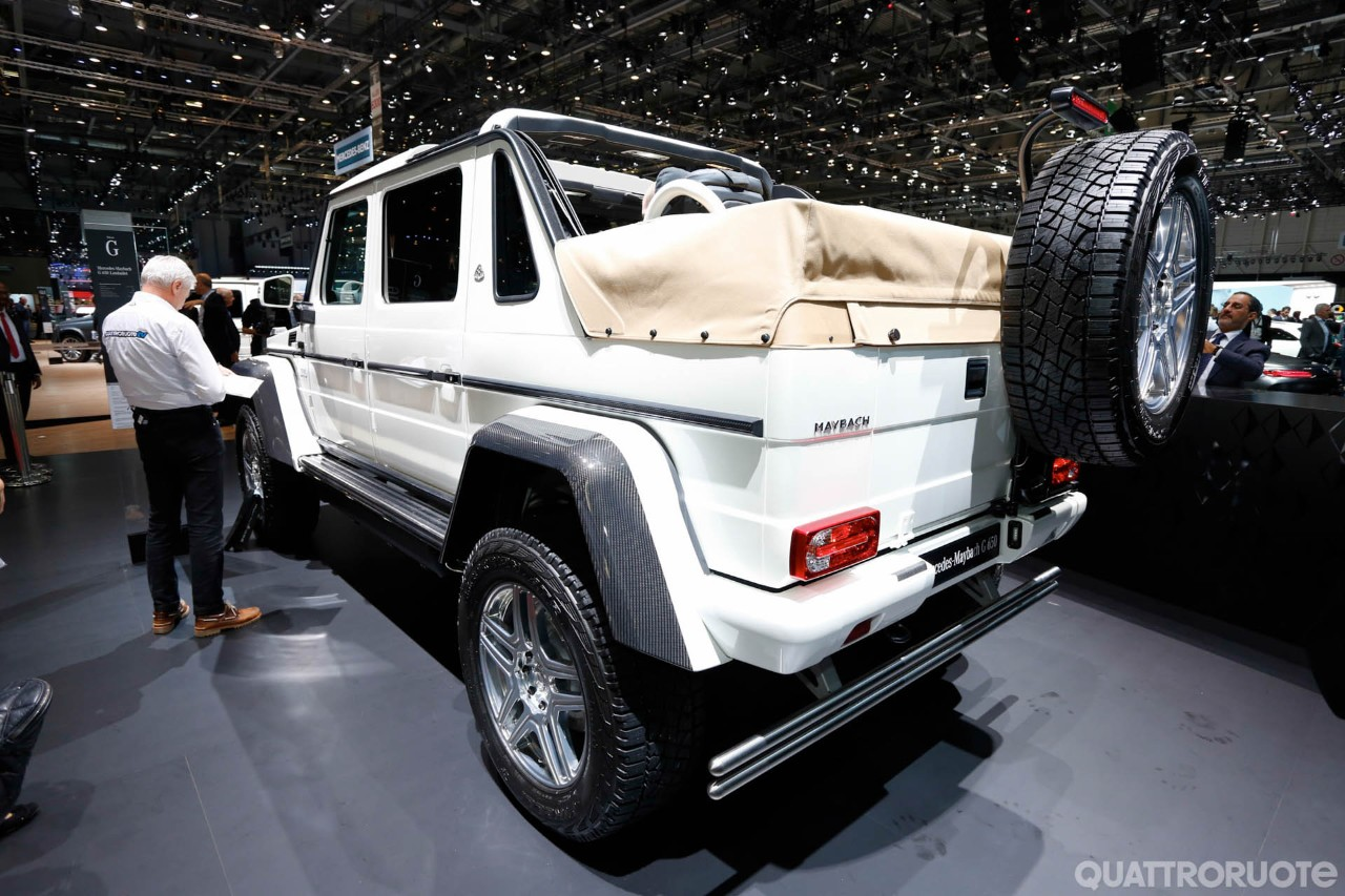 live from geneva the 750 000 euro mercedes maybach g 650 landaulet mercedesblog. Black Bedroom Furniture Sets. Home Design Ideas