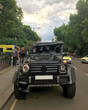 Brabus-G500-4x4-roll-over-crash-London