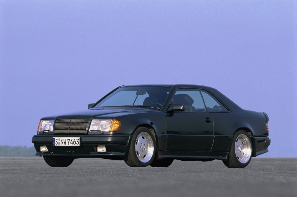 "Mercedes-Benz 300 CE 6.0 AMG ""The Hammer"" (C 124), year of construction 1988."