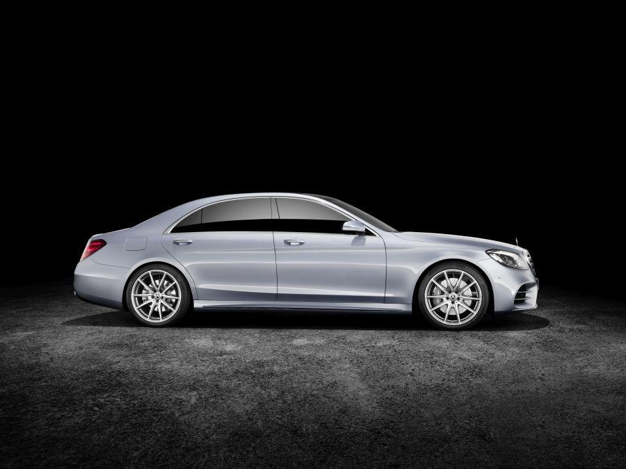 Mercedes-Benz S-Klasse; Langer Radstand; 2017; Exterieur: diamantsilber; AMG Line; Interieur: Leder magmagrau/espressobraun Mercedes-Benz S-Class; long wheelbase; 2017; exterior: diamond silver; AMG line; interior: leather magma grey/espresso brown