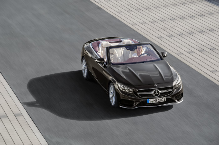 D427844-The-new-S-Class-Coup-and-the-new-S-Class-Cabriolet-Two-dream-cars