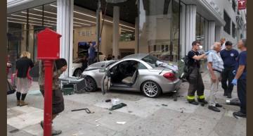 Mercedes – Tesla war is on! SLK attacks Tesla dealership