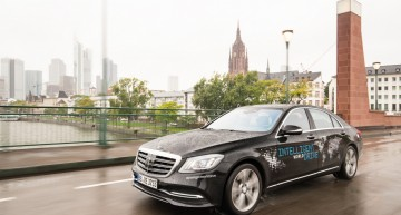 Mercedes starts autonomous driving world test drive