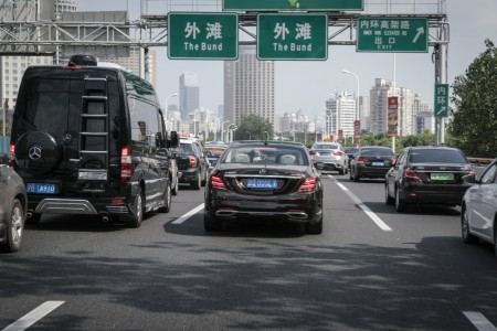 Zweite Etappe des Intelligent World Drive: Auf dem Weg zum autonomen Fahren: Mercedes-Benz auf automatisierter Testfahrt in der Millionenmetropole Shanghai