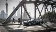 Mit dem Intelligent World Drive testet Mercedes-Benz mit einem Erprobungsfahrzeug auf Basis der S‑Klasse automatisierte Fahrfunktionen auf fünf Kontinenten. Nach dem Start in Deutschland ist das Erprobungsfahrzeug, das auf der neuen Serien-Limousine der S‑Klasse basiert, im Oktober bei automatisierten Testfahrten im dichten Verkehr und mit den landesspezifischen Besonderheiten in der chinesischen Millionenmetropole Shanghai unterwegs. With the 'Intelligent World Drive', Mercedes-Benz is testing automated driving functions on five continents using a test vehicle based on the S‑Class. After the start in Germany, the test vehicle based on the new production S‑Class Saloon is now being put through its paces in test drives in the heavy traffic and exposed to the special national features in the Chinese megalopolis of Shanghai in October.