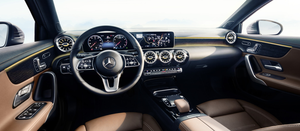 Digital revolution: The interior of the new Mercedes A-Class