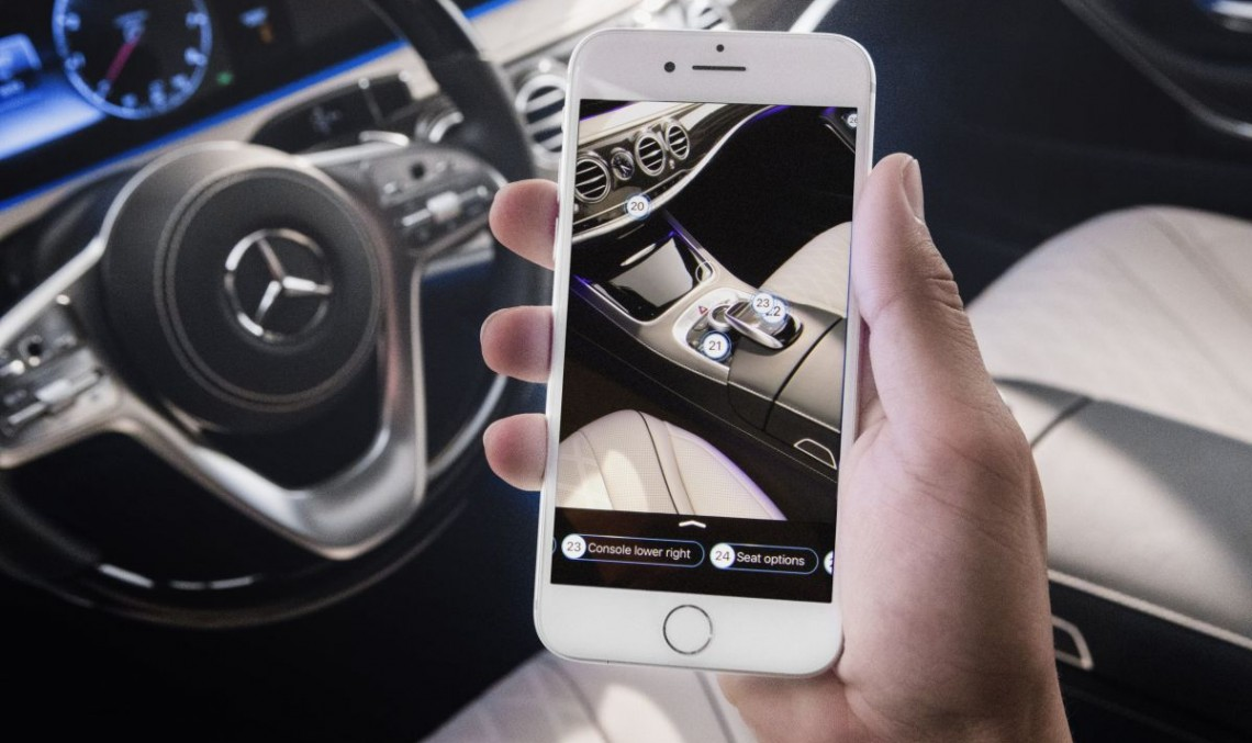 Ask Mercedes new virtual help: Owner's manuals are history