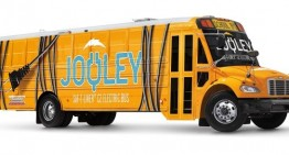 Daimler introduces first all-electric school bus in the United States