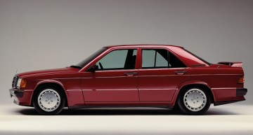 30th birthday for two classic Mercedes: 190 E 2.5-16 and 560 SE