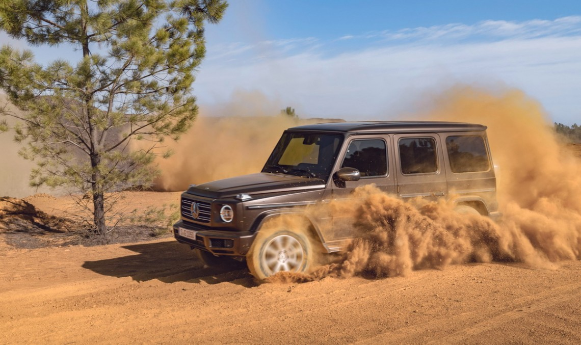First videos of the 2019 Mercedes-Benz G-Class prove that it is as invincible as ever