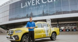 Roger Federer promotes the X-Class in New Year video