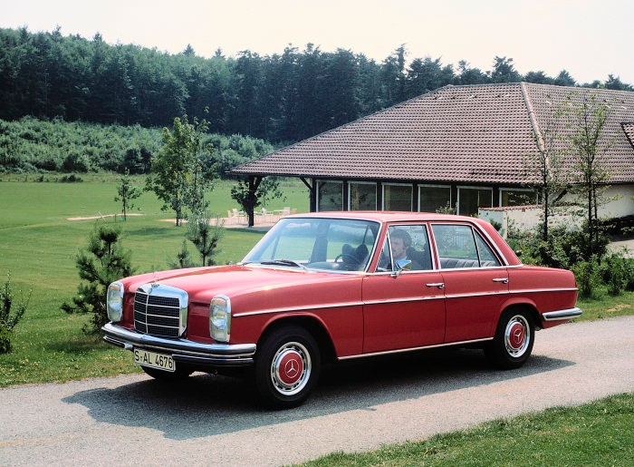 "Half a century of the Mercedes-Benz ""Stroke/8"" saloons"