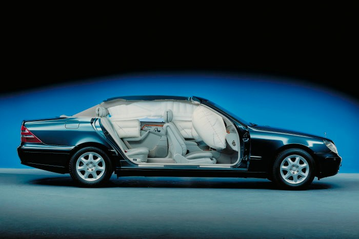 Happy safety anniversary! Mercedes celebrates 30 years of front-passenger airbag