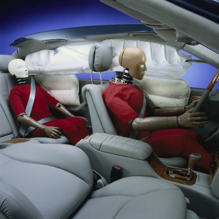Front-passenger airbag and window airbag anniversary (1)