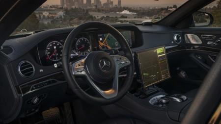 Mercedes-Benz Intelligent World Drive, Mercedes robot taxi