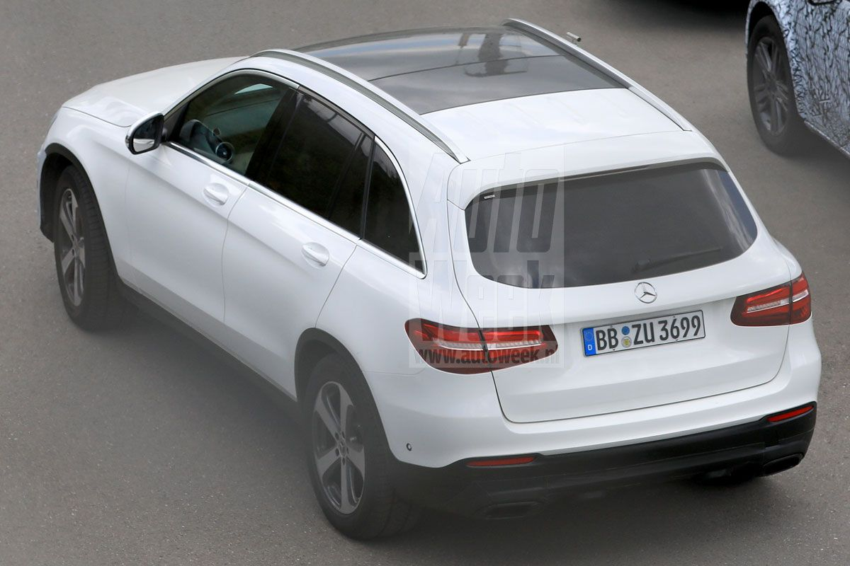 2019 mercedes glc updated suv revealed in first spy photos mercedesblog. Black Bedroom Furniture Sets. Home Design Ideas