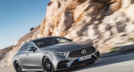 Best sales month of all time helps Mercedes-Benz hit a record quarter