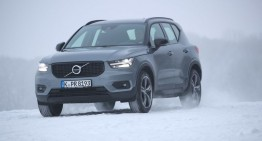 Daimler could share engines with Volvo, buy minority stake