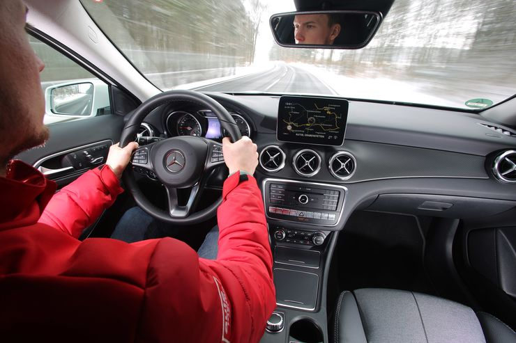 comparison test Mercedes GLA vs Audi Q3, BMW X1, Volovo XC40 (4)